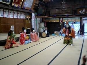 二田物部神社神楽舞